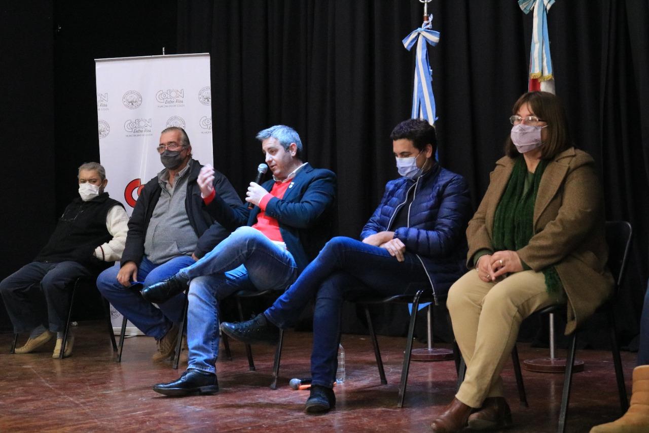 Funcionarios del Municipio tomaron conocimiento sobre la Ley Provincial de Artesanías